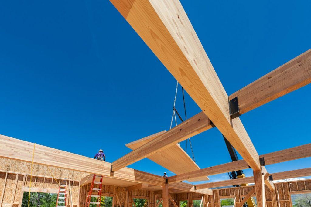 Деревянные перекрестно клееные панели - строительство зданий из CLT-плит