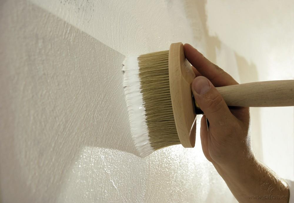 Использование в дизайне фактурной краски - способ нанесения жесткой кистью